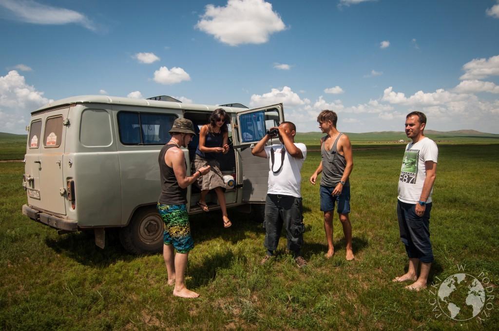 UAZ na stepie w Mongolii
