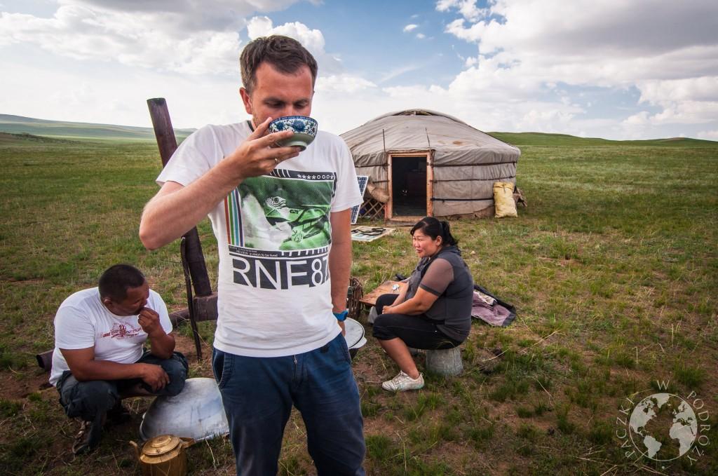 Mongolska jurta na stepie, Mongolia