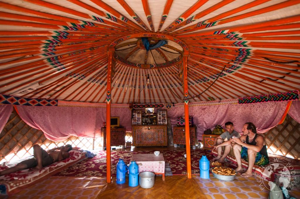 Jurta na pustyni Gobia, Mongolia