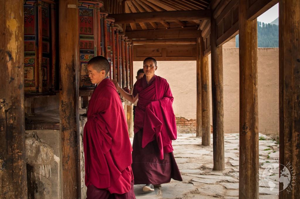 Droga Kory w buddyjskim klasztorze w Xiahe, Chiny