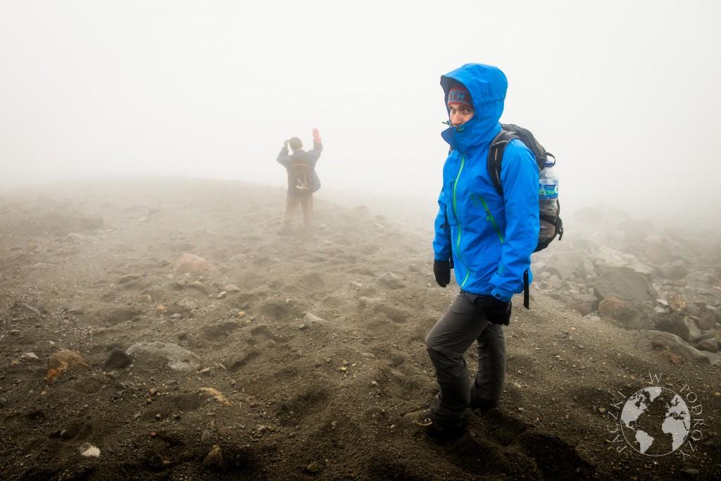 Zejście ze szczytu wulkanu Merapi