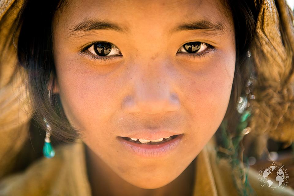Dziewczynka z turkusem, Stan Shan, Birma