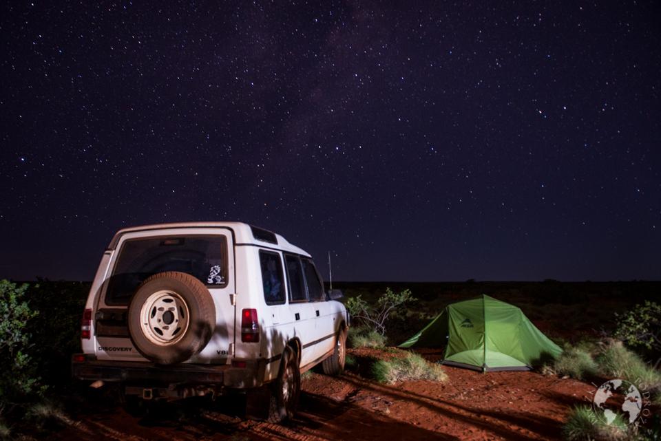 Biwakowanie na dziko pod gwiazdami to jedna z lepszych części podróży po Australii